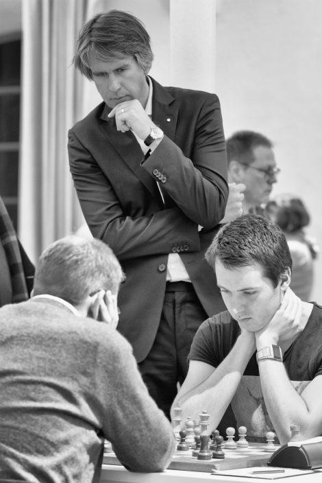 Turnierdirektor Sebastian Siebrecht (Foto: https://www.schach-tegernsee.de/)