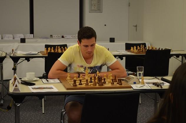 Der Turniersieger Nikolas Lubbe               ©  http://www.vmcg-schachfestival.de