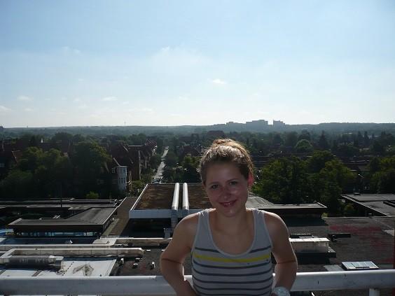 Auf unserem Hotel-Balkon. Links im Bild sieht man den Außenbereich der Salztherme.