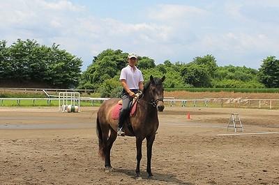 パートナーの馬と一緒に