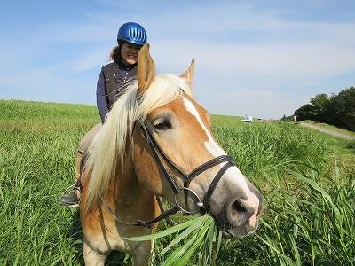 馬と仲良く外乗