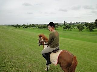 利根川沿いを乗馬で散歩
