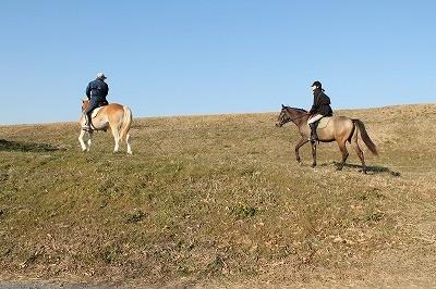 笑顔そして馬と共に楽しむ