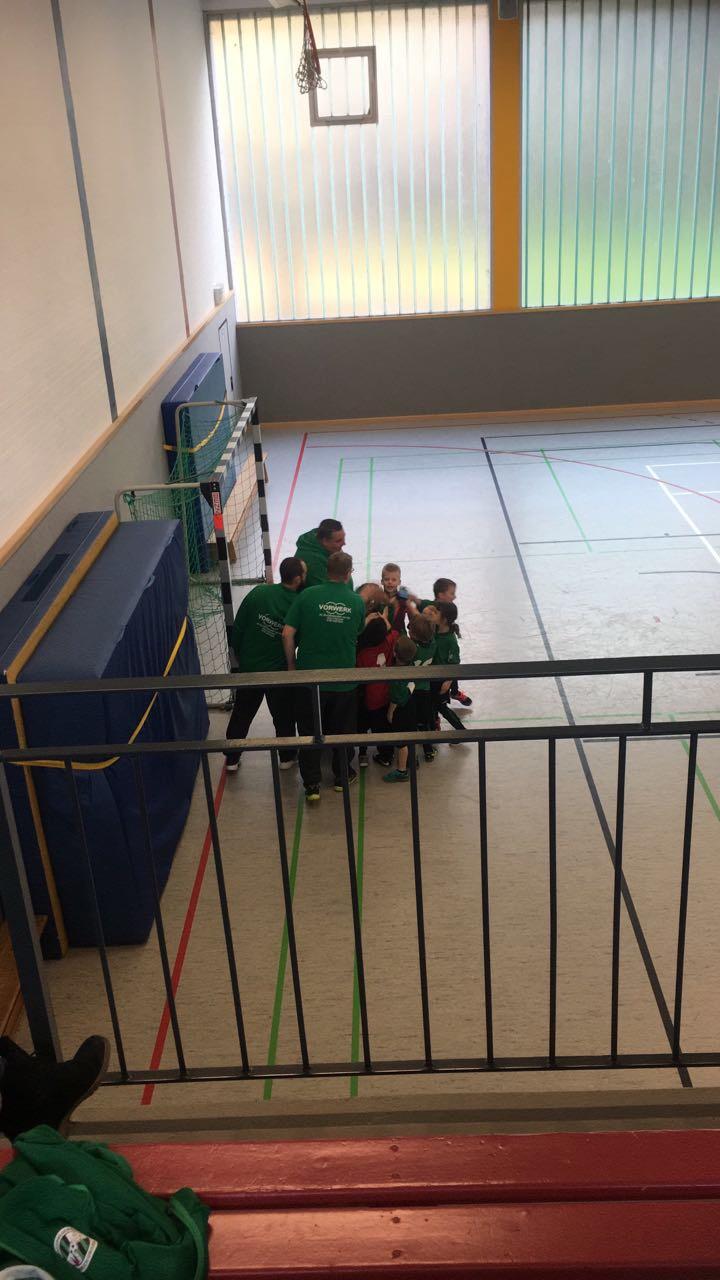 Teamkreis vorm Spiel