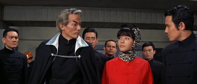 『キングコングの逆襲』右端1・9東京タワーゲスト 黒部進さん(ウルトラマンではハヤタ隊員役で主演)