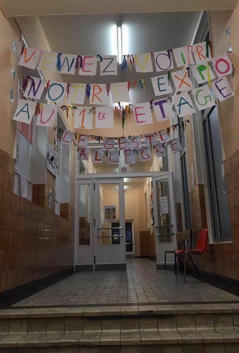 couloir d'entrée de l'école