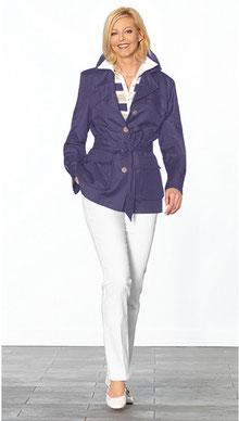 Judith Alwin als Model auf dem Laufsteg