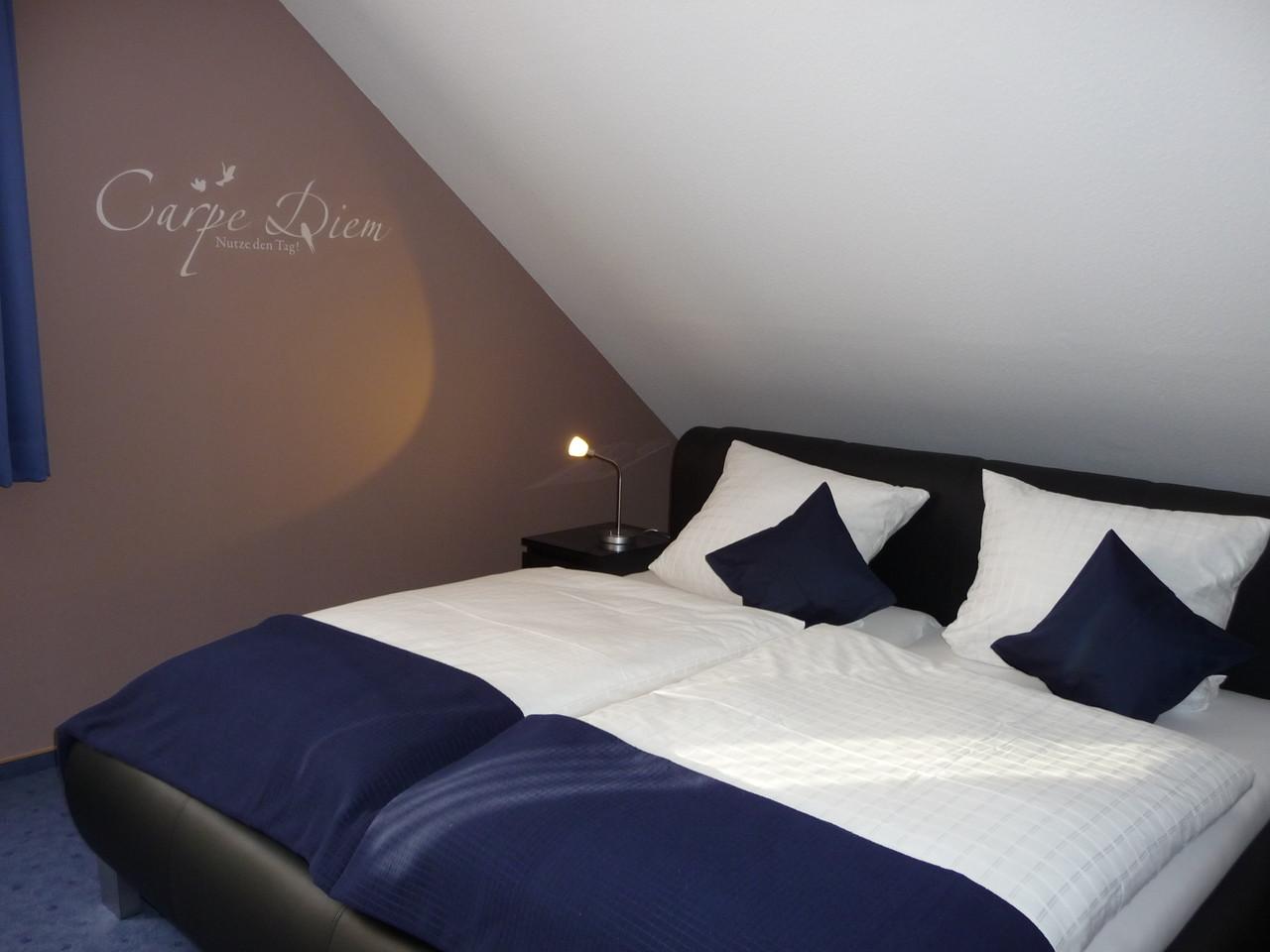 Komfort Zimmer 4 - Spüren Sie die Harmonie der Farbgestaltung!