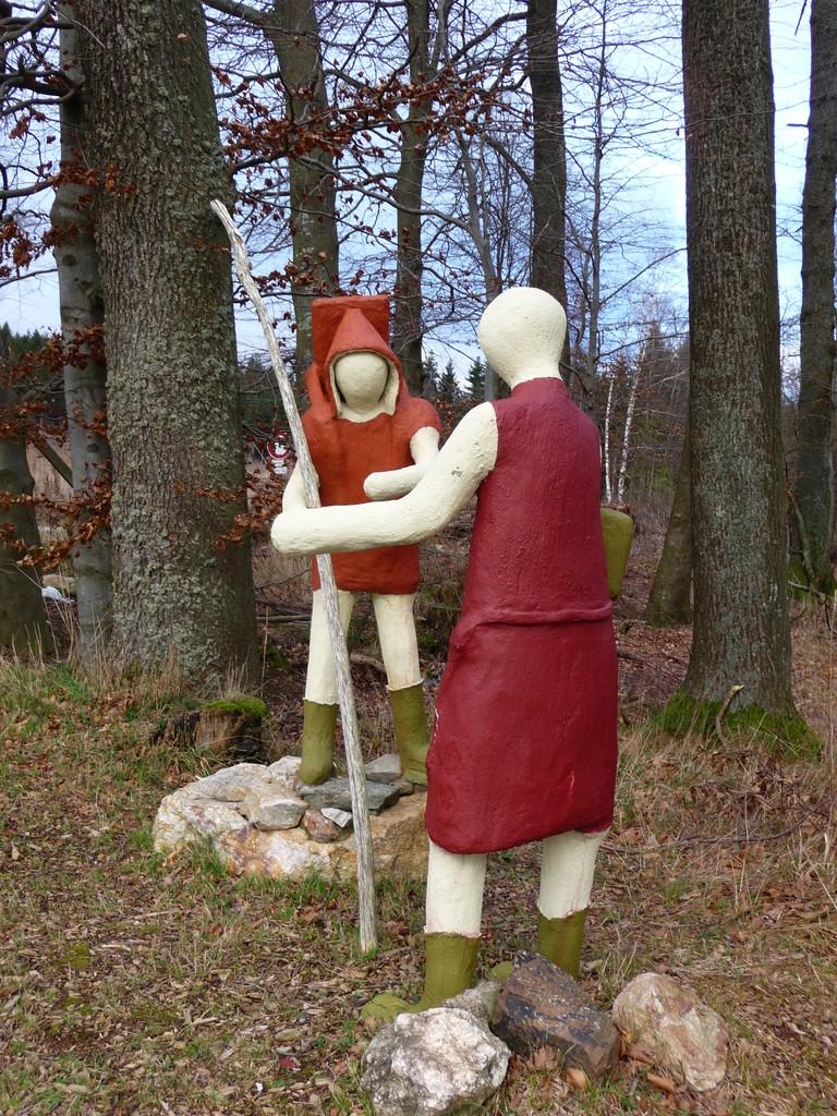 Alleinstellungsmerkmal der Tour sind die lebensgroßen Figuren eines Künstlers aus Hinzerath