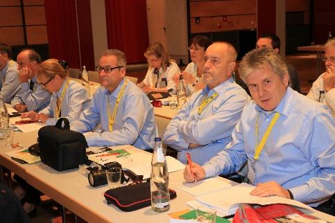 Die Delegierten der Landesgruppe S-H: Kai Hädicke-Schories, Norbert Hansen, Holger Schröder, Astrid Kagel Christian Nieselt. Nicht mehr auf dem Bild: Daniela und Frank Pardun