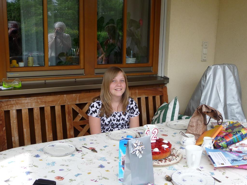 Tante Ines ist schon 12 Jahre alt!