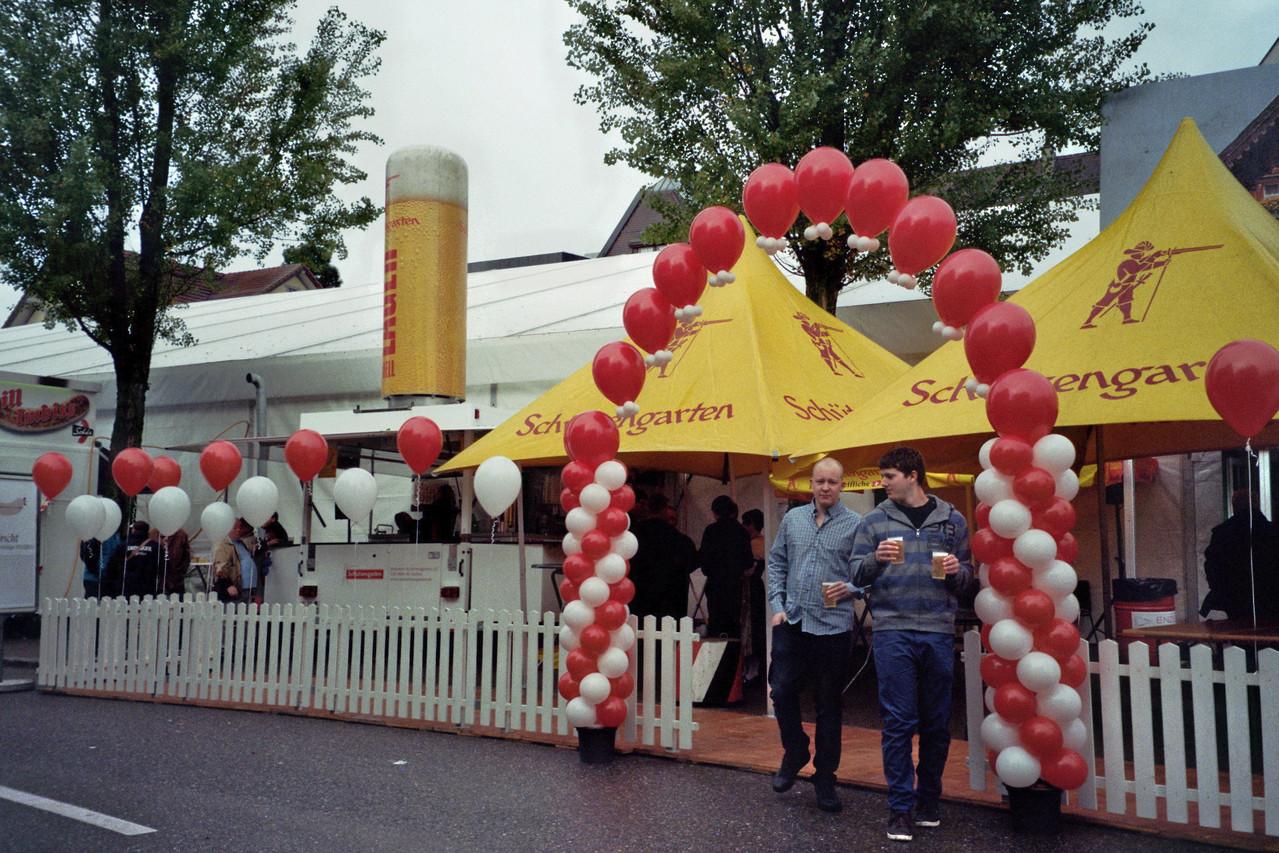 Klassische Girlanden mit  Heliumgefüllten Ballons