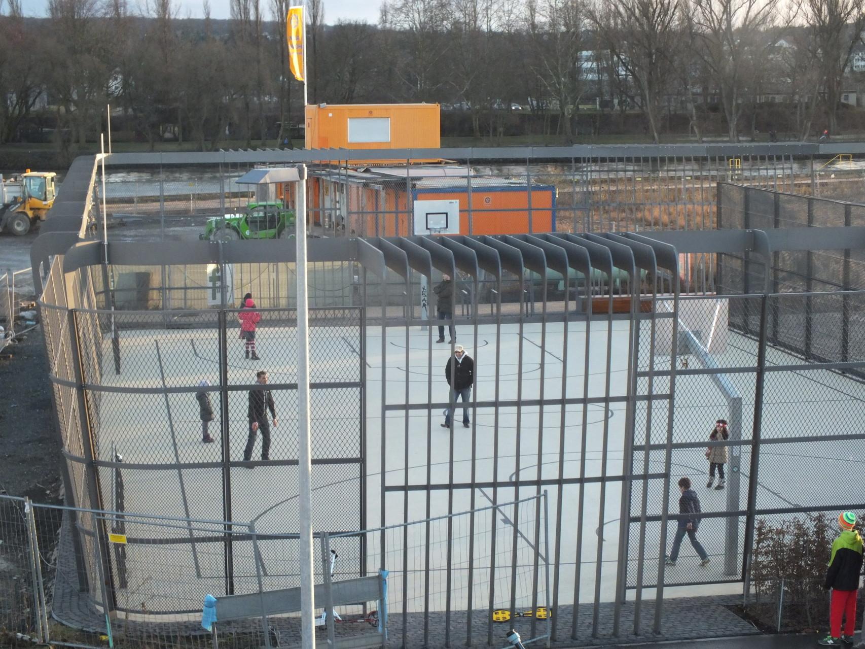 Sportbereich für Jugendliche vor der EZB