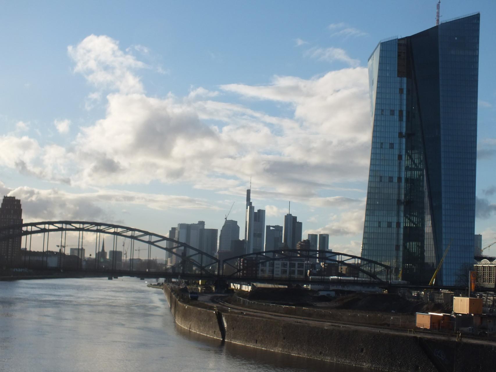 Deutschherrenbrücke und EZB
