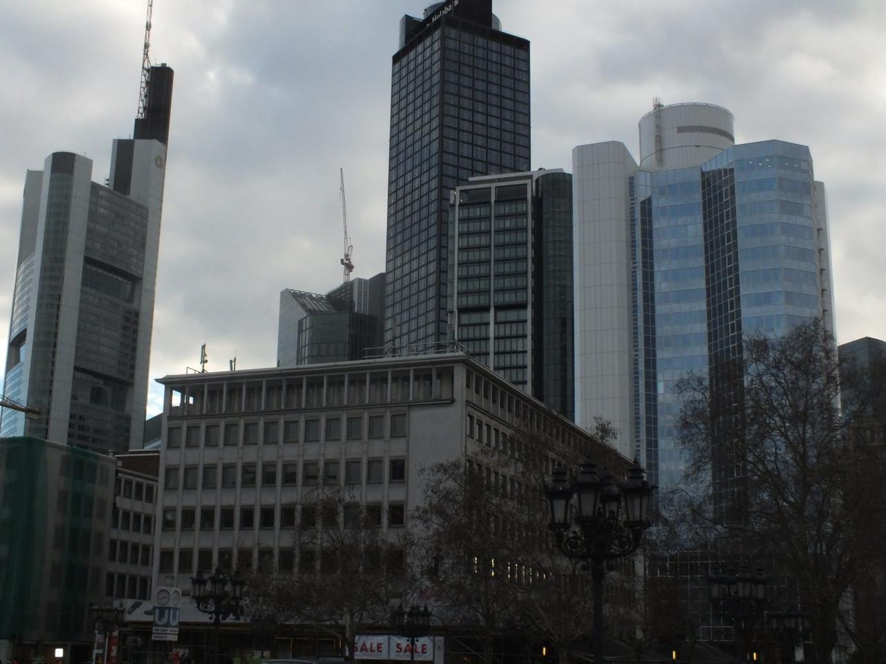 Banktürme vom Opernplatz aus