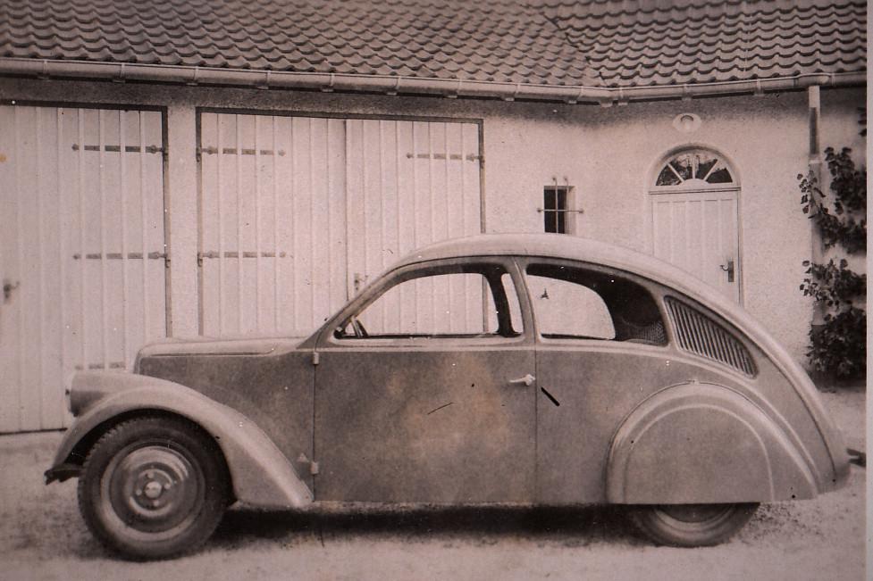 1932: Zündapp Porsche Typ 12: Die Karosserie mit vorn angeschlagenen Türen fertigte Reutter in Stuttgart.