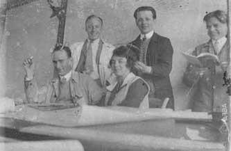 1926 bis 1929: Karosseriekonstrukteur in den Steyr Werken   / 1926 to 1929: Car-body designer in the Steyr factories