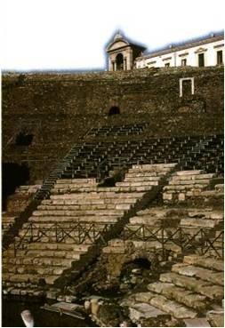 La cavea del Teatro Greco