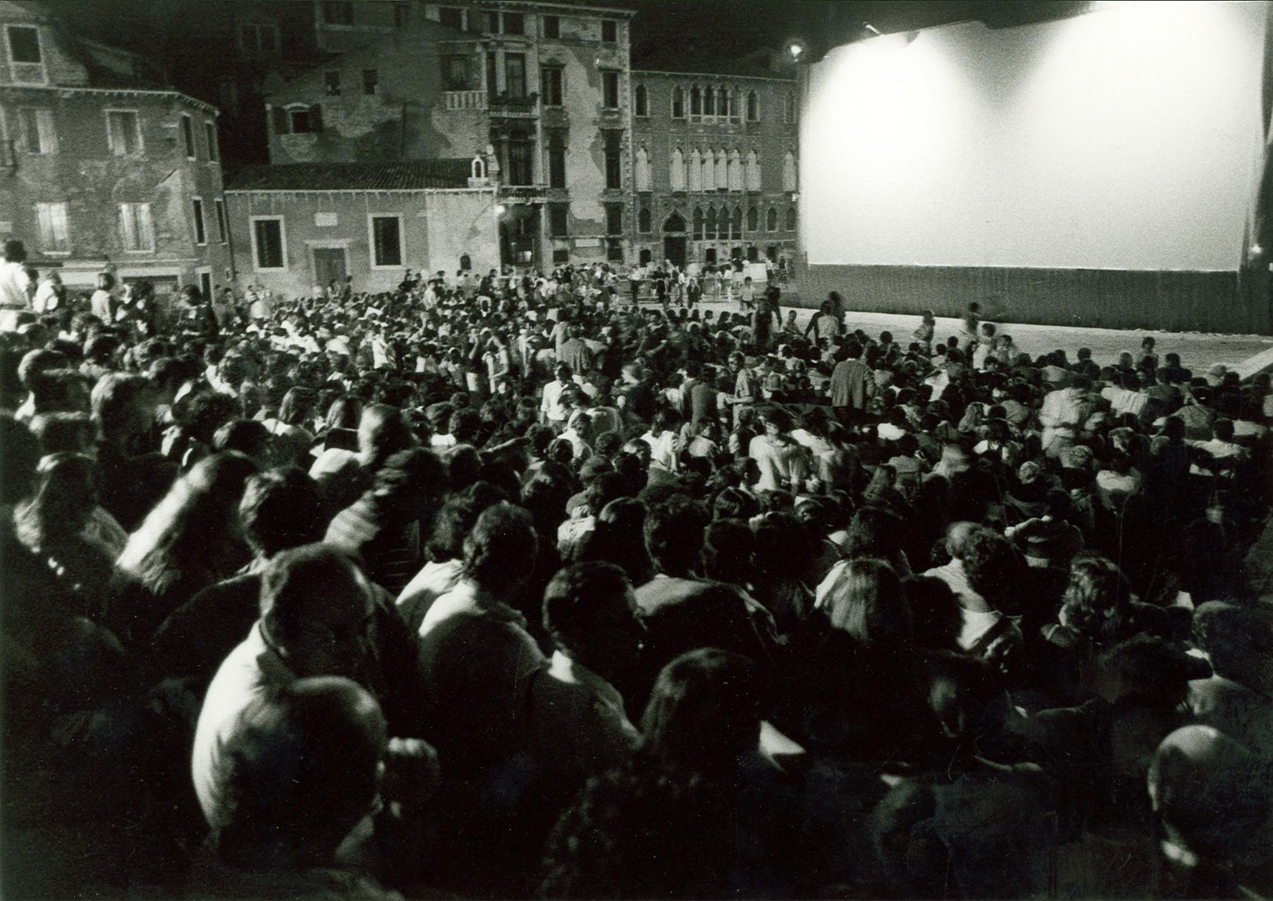 Piccole Sale Cinematografiche : Cera una volta il cinema benvenuti su goccediperle!