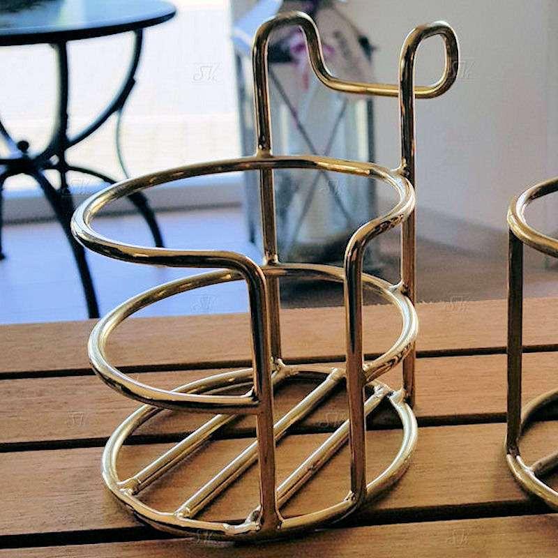 Kaffeebecherhalter von Jentzsch, Messing - offen (2 Einkerbungen wie bei Chrom Variante)