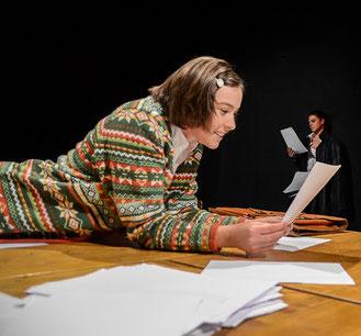 Angela Ahlheim als Sophie Scholl in Name: Sophie Scholl in der Tribüne Linz 2015