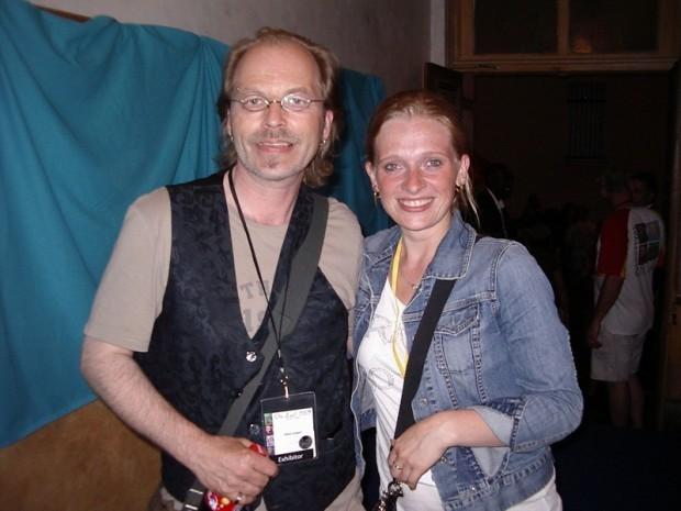 Klein Jürgen und Schauspielerin Elina Büter