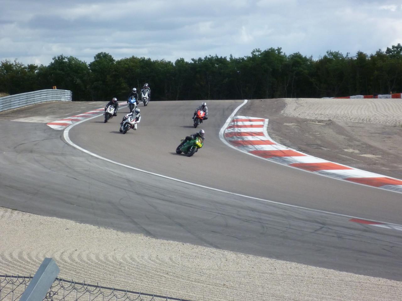 Einführungsrunde auf dem Circuit de Prenois in Dijon