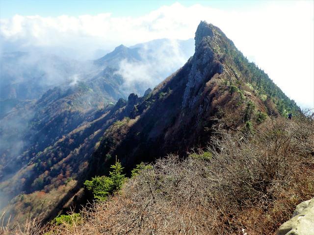 石鎚山:弥山から見た天狗岳