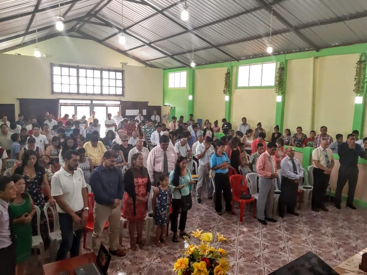 Segnungsgottesdienst in der Baptisten Gemeinde kann beginnen...