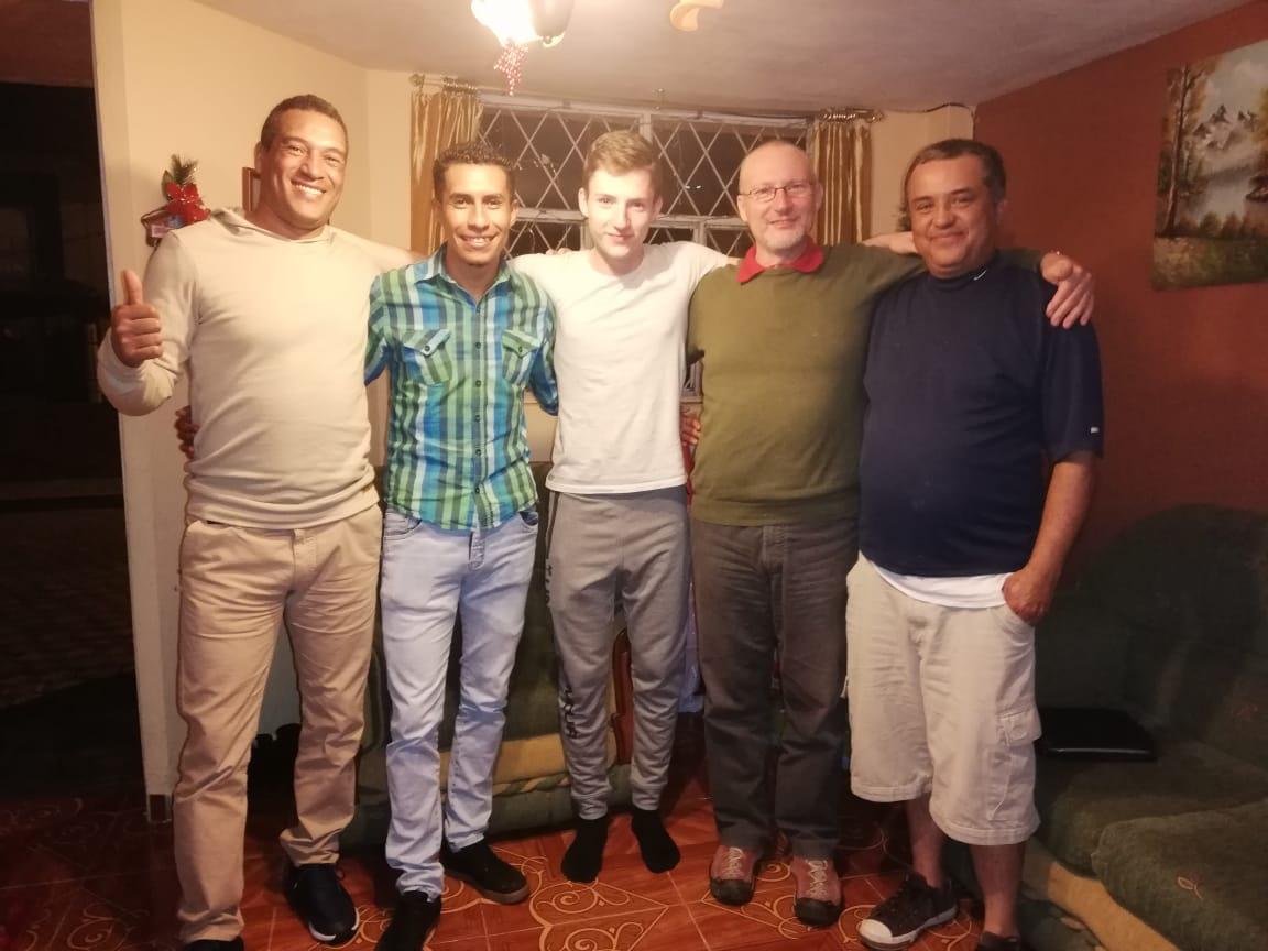 v.n.r. Vinicio,Maikol,Pascal,Daniel und Pato