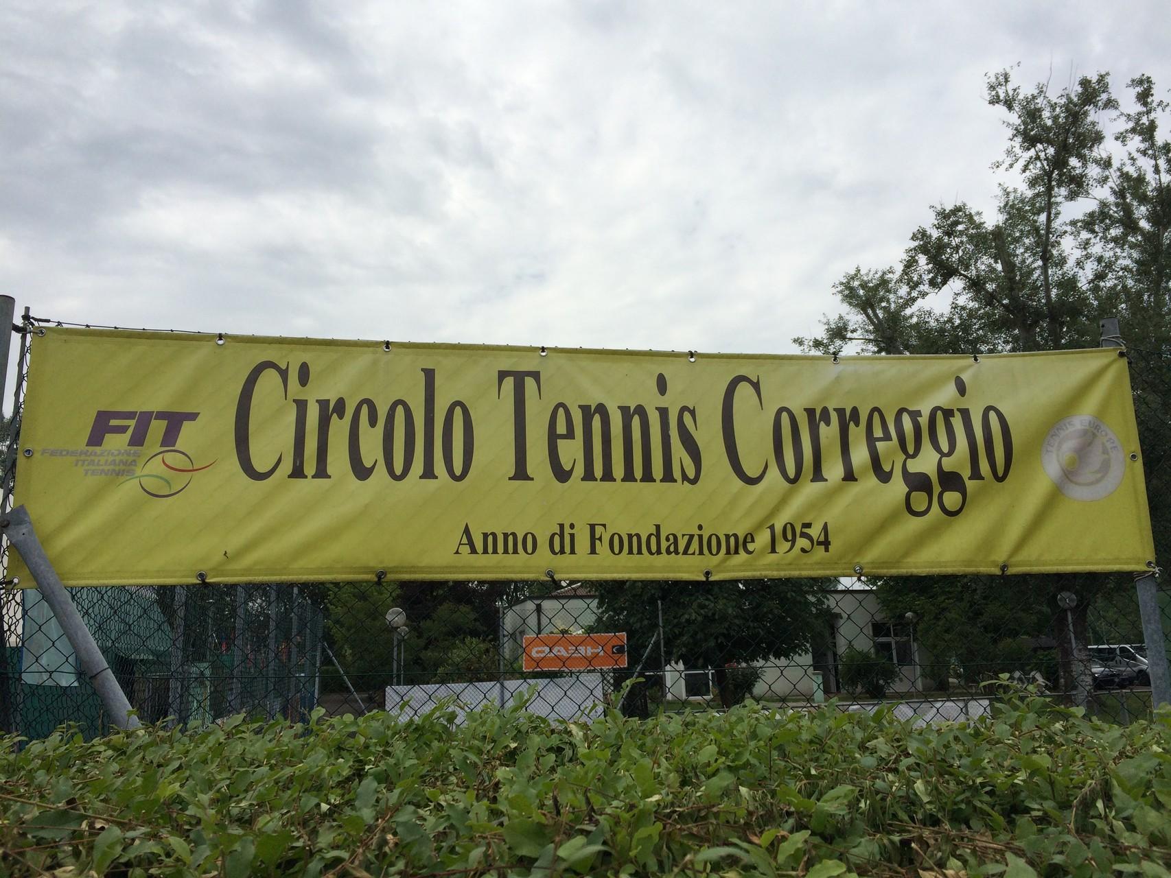 Tennisanlage in Correggio