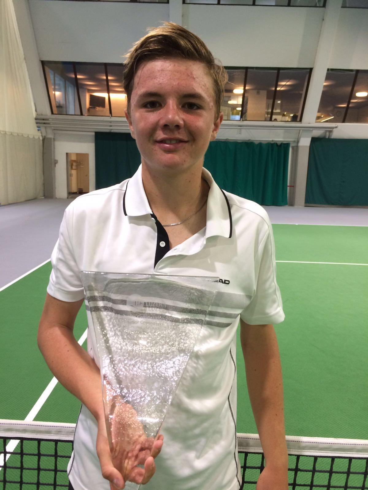 Super Leistung am ITF Luzern Junior Competition. Erster ITF Titel für Dominic