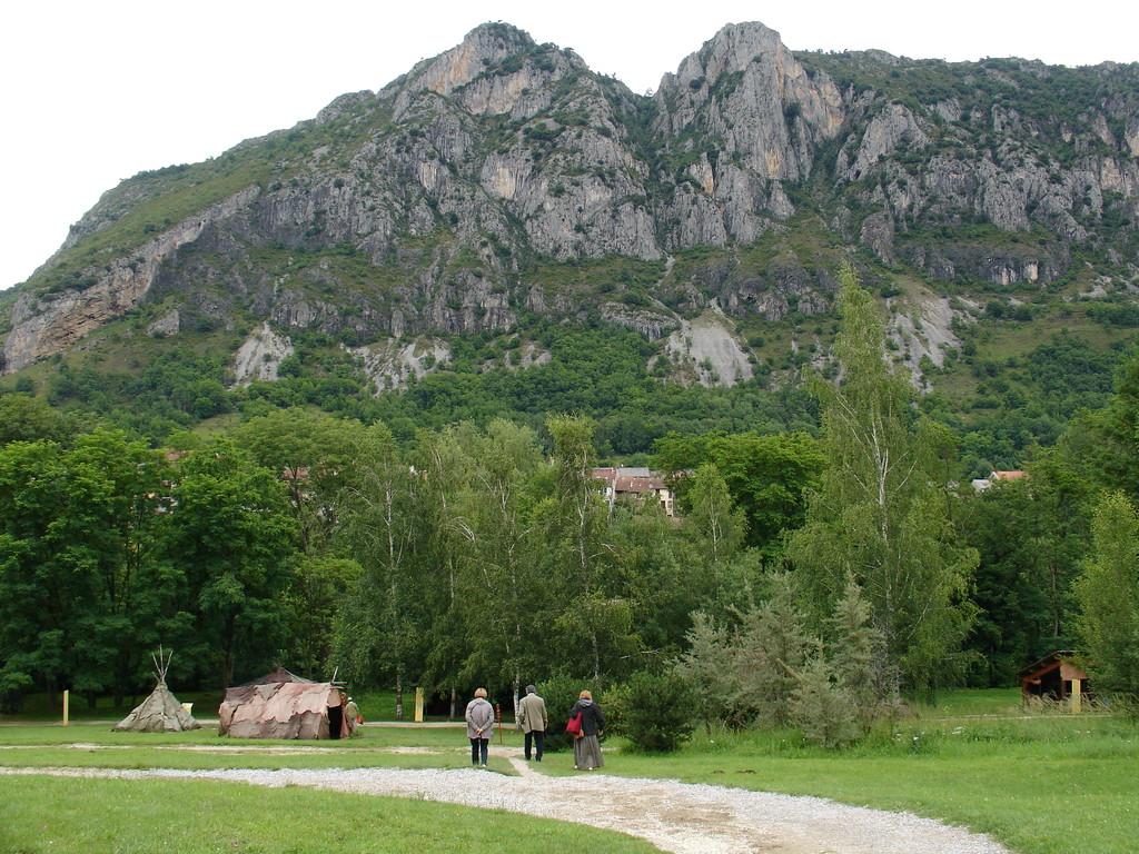 Parc de la Préhistoire près de Tarascon : vue générale du site
