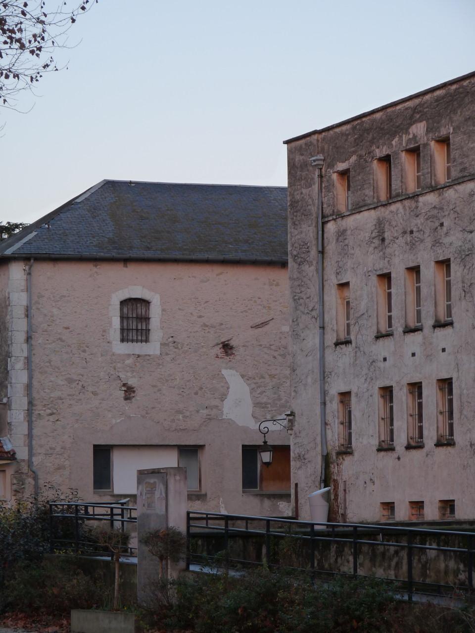 Villeneuve-sur-Lot : le théâtre Georges-Leygues et l'ex-prison