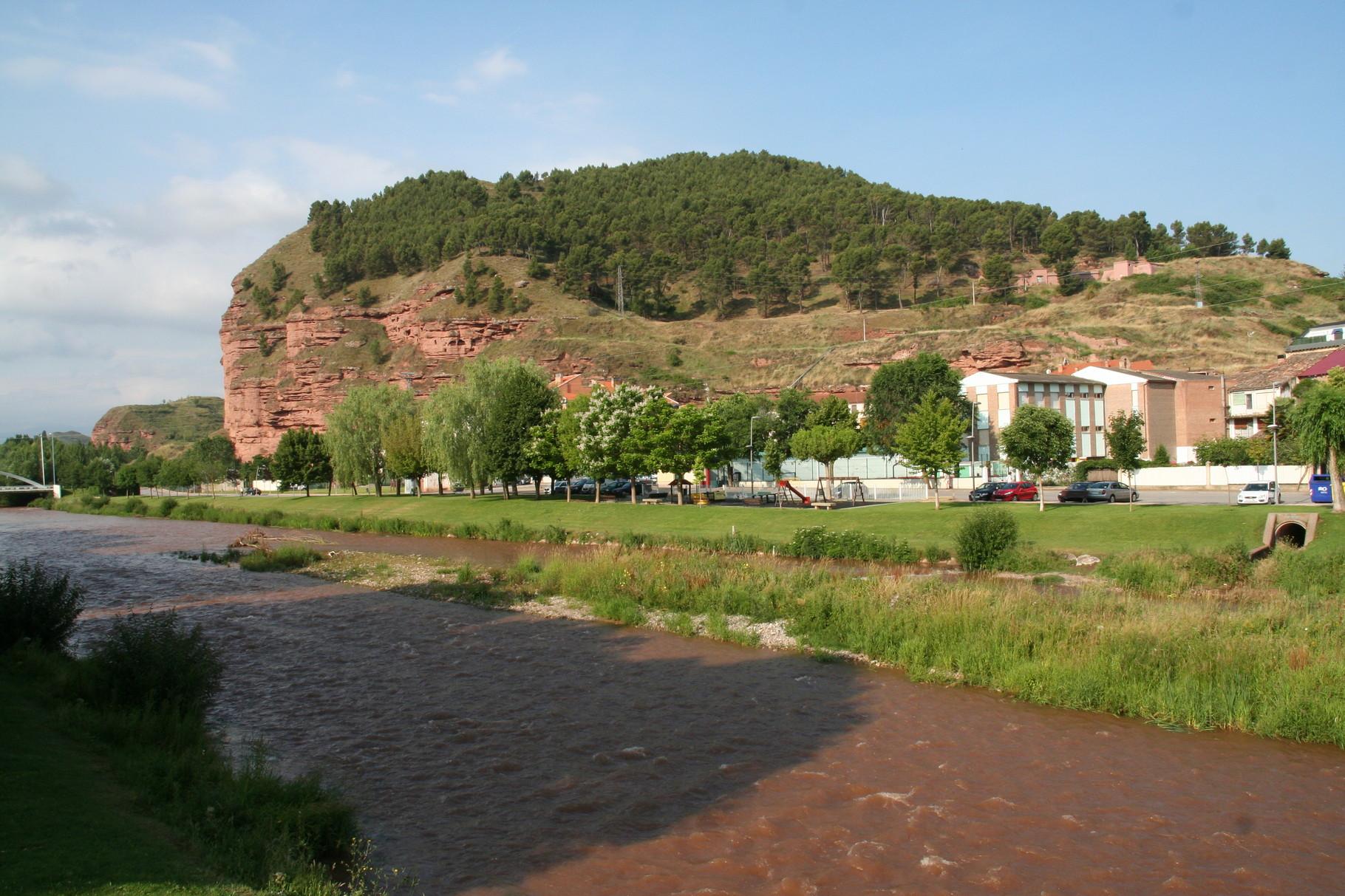 Nájera: falaise d'appui de la ville