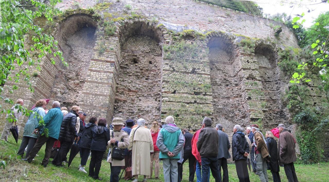 Aiguillon : la muraille gallo-romaine