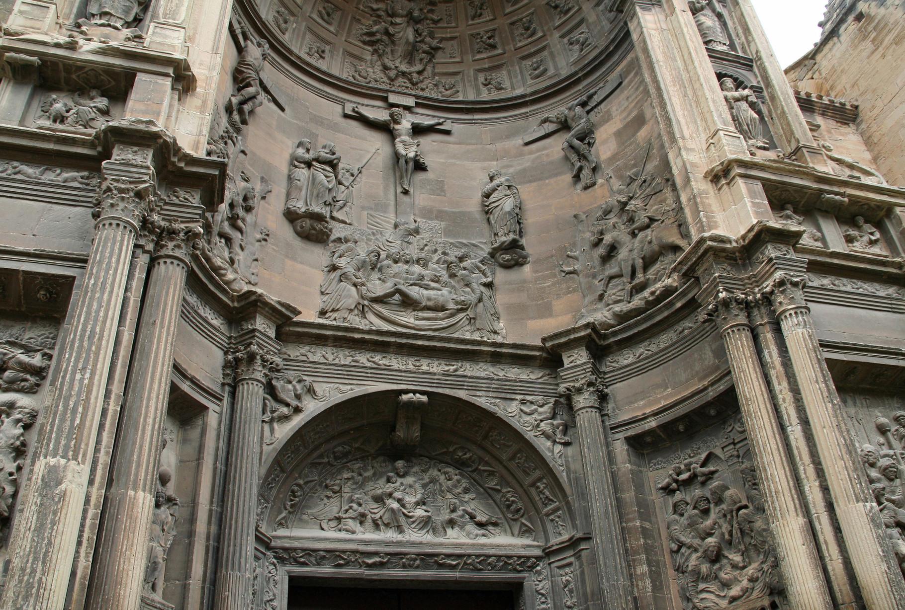 Viana: le portail Renaissance