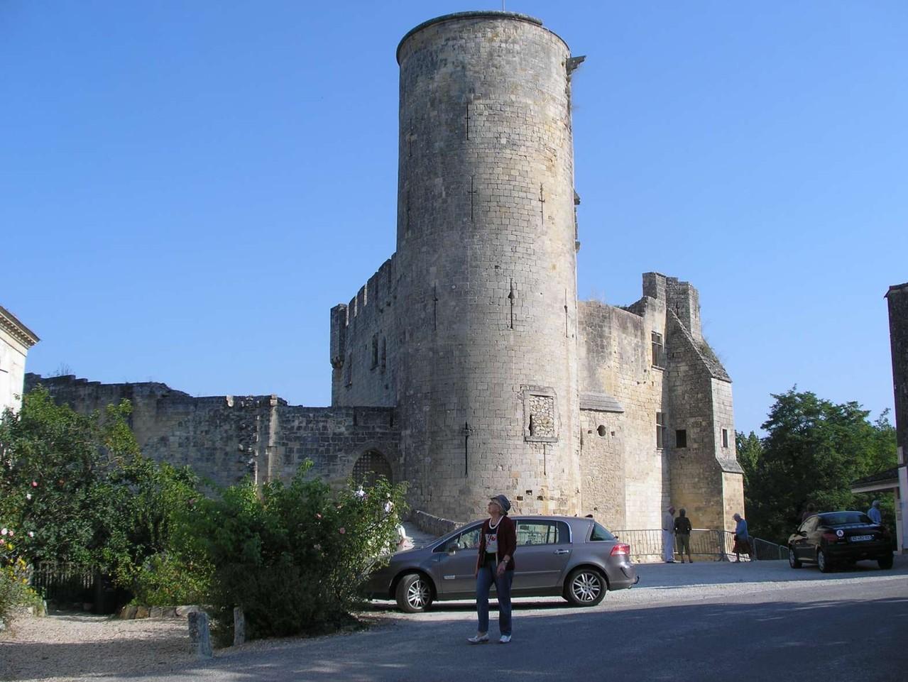 Rauzan : le château médiéval