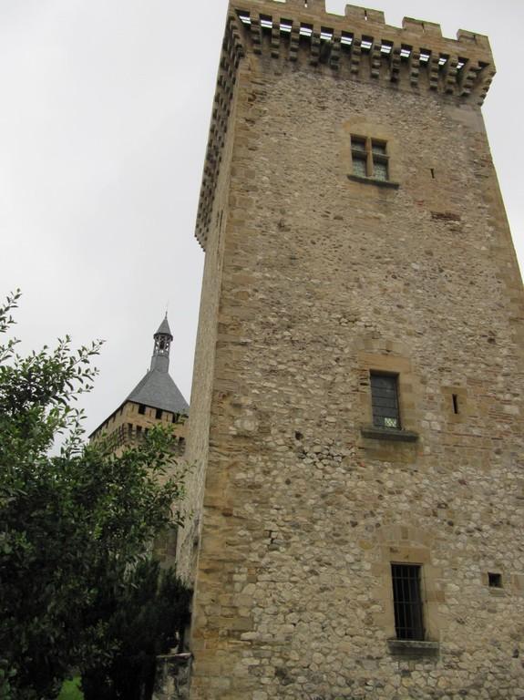 Foix : les tours carrées du château