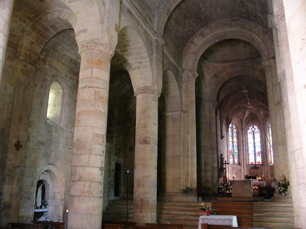 Intérieur de l'église de Monsempron