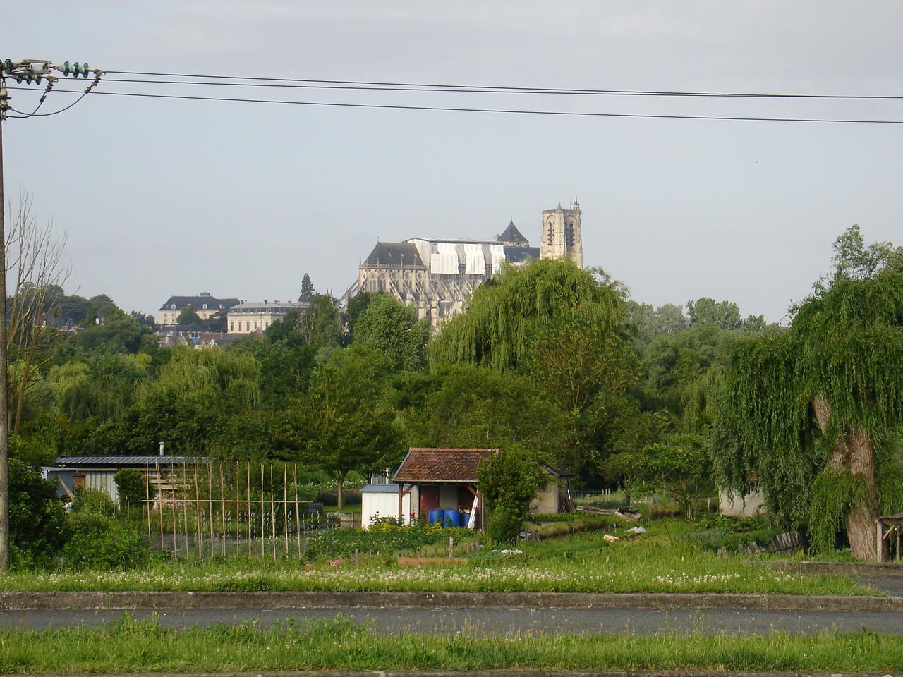 Bourges : les Marais de Bourges, dominés par la ville et sa cathédrale