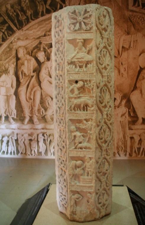 L'abbaye de Souvigny: la colonne du Zodiaque
