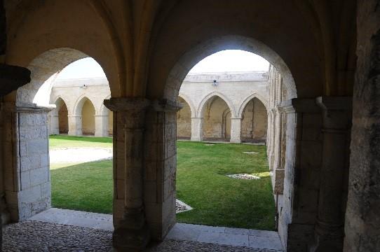 Périgueux: le cloître de la cathédrale