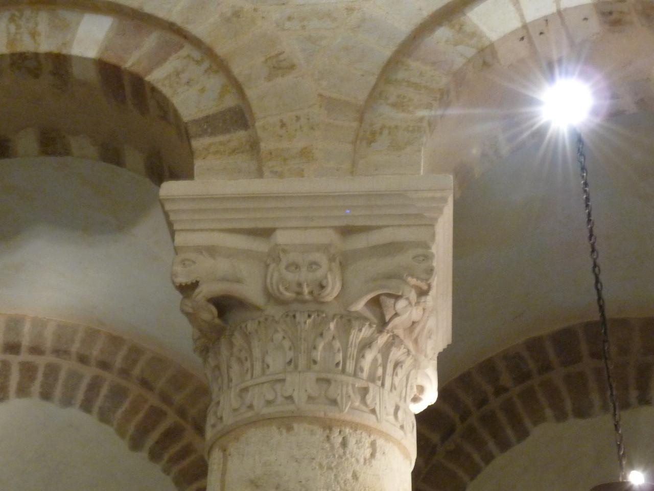 Neuvy St Sépulchre : chapiteau roman