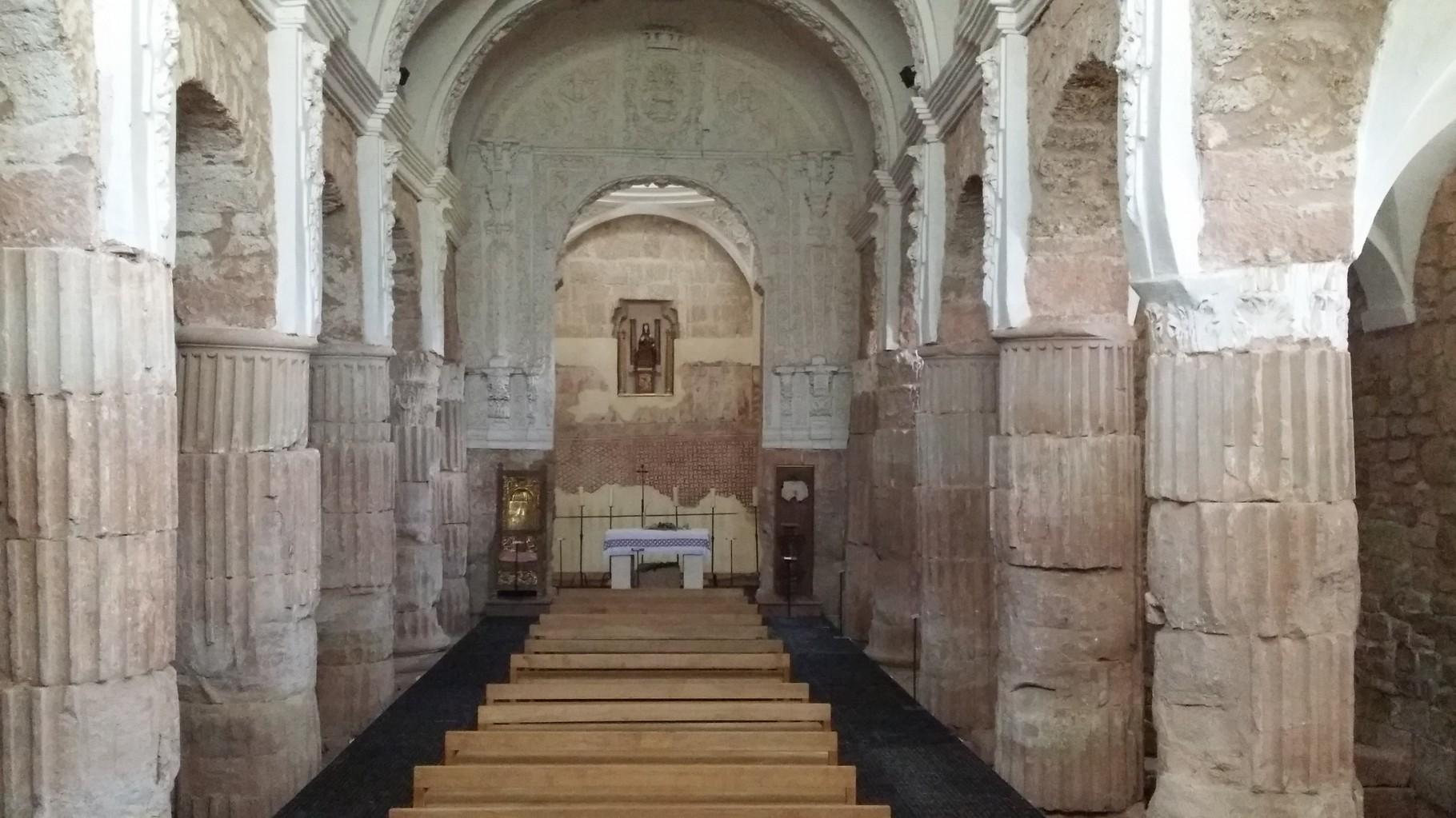 Tricio: l'église Santa Maria de Arcos ( intérieur )