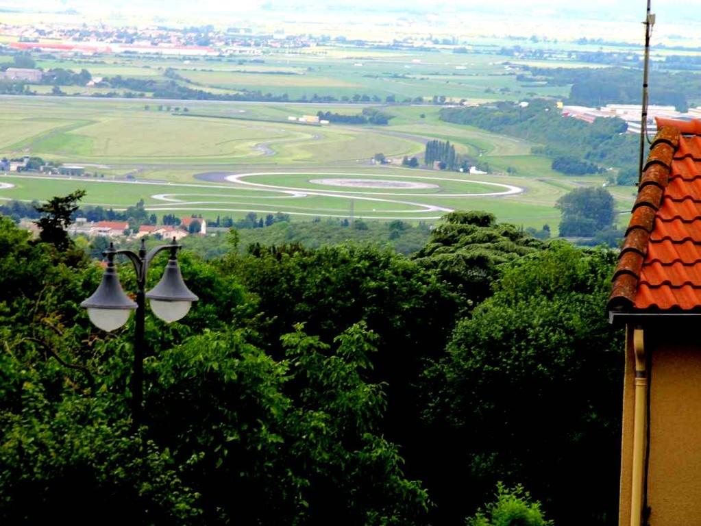La piste d'essais de l'usine Michelin à Clermont-Ferrand (Ladoux)
