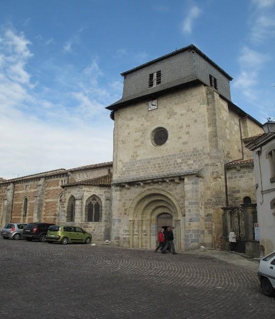 Le Mas d'Agenais: façade Sud de l'église Saint Vincent