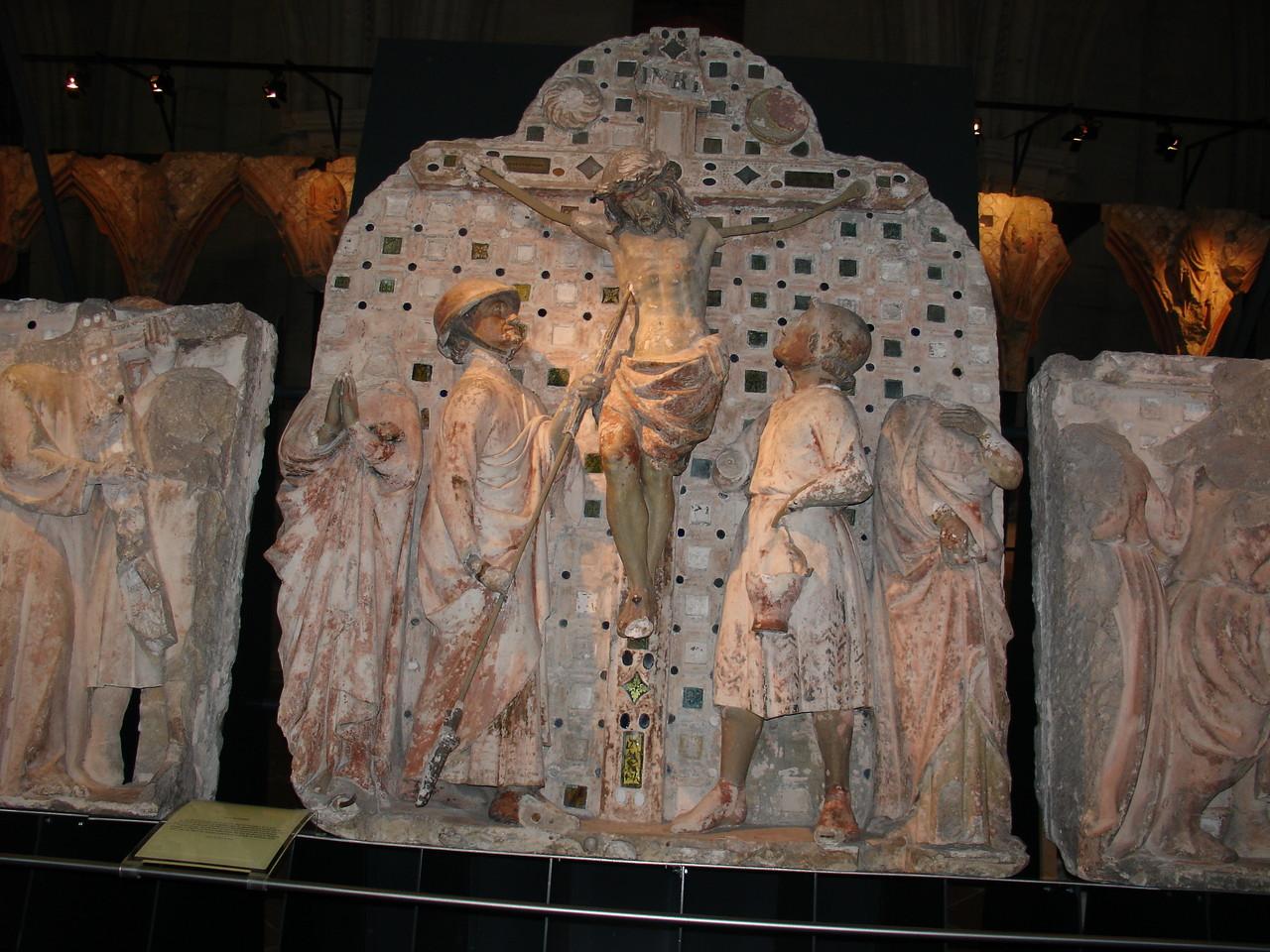 Bourges, la cathédrale Saint Etienne : la crypte et les reliefs de la tribune du jubé XIIIe