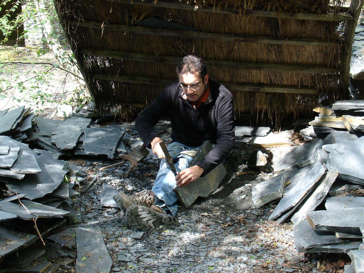 Travassac : artisan au travail