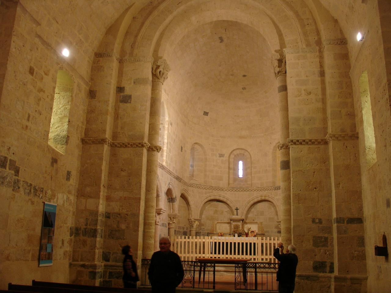 Saint-Pierre-de-Buzet : le choeur de l'église